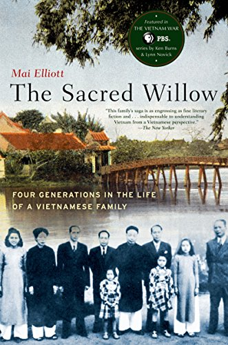 The Sacred Willow: Four Generations in the Life of a Vietnamese Family (English Edition)