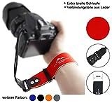 Neopren Kamera-Handschlaufe EXTRA BREIT | rot | ECHT Leder Verbindungsteile | DSLR spiegellose Systemkameras Kameraschlaufe Handgelenk-Schlaufe Trageschlaufe | MIND CARE ESSENTIALS