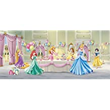 Poster gigante con texto en inglés de princesas Disney