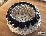 Cesta diseño exclusivo pieza única: crochet en trapillo pluma. Modelo'Elegant'.