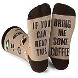 Lavley Damen Socken mit Aufschrift'If You Can Read This Bring Me Some Tea, Wein, Eis, Kaffeebraun One Size coffee