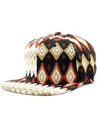 Casquette en coton ouaté multicolore à motif aztèque. Produit offert par NYfashion101.