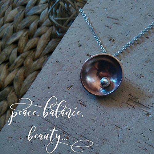 colgante-paz-equilibrio-belleza-distinguido-colgante-en-metal-combinado-en-cobre-y-plata-de-ley-coll
