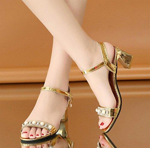 Sommer rau mit Sandalen in flachen Low-Sandaletten mit den Wort cingulären offenen Sandalen und Pantoffeln Frauensandelholzen Strass Gold