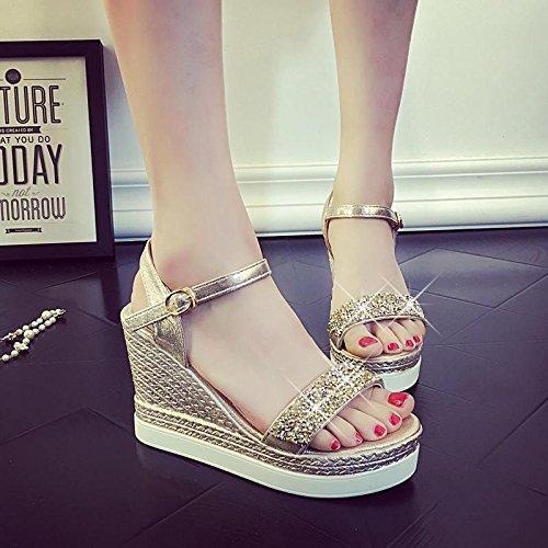 LvYuan Damen Sommer Sandalen / Komfort Casual Fashion / Peep-Toe Strass / Dick Boden / Keil Fersen Schuhe oro