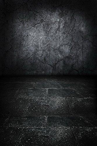 amonamour-cru-vieille-photographie-fissuree-mur-grunge-beton-salete-sombre-tache-plancher-photo-mili