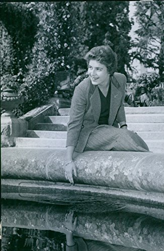 vintage-photo-of-countess-marie-louise-bernadotte-relaxing-from-wedding-chores-at-the-goldfish-pond-