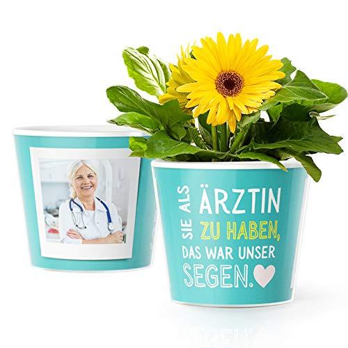 Ärztin Geschenk Blumentopf (ø16cm)   Geschenke für Ärztinnen zum Danke Sagen mit Bilderrahmen für 2 Fotos (10x15cm)   Sie als Ärztin zu haben, das war unser Segen