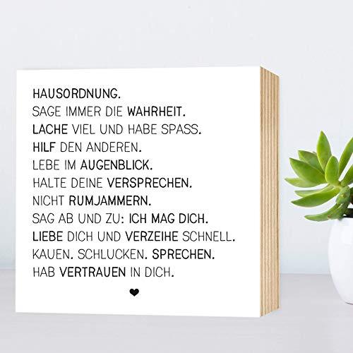Hausordnung - einzigartiges Holzbild 15x15x2cm zum Hinstellen/Aufhängen, echter Fotodruck mit Spruch auf Holz - schwarz-weißes Wand-Bild Aufsteller zur Dekoration im Büro/Zuhause oder als Geschenk