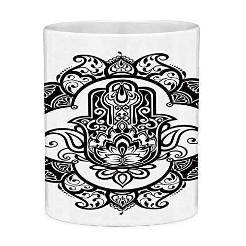 Rongpona Bleifreie Keramik Kaffeetasse Teetasse Weiß Hamsa 11 Unzen Lustige Kaffeetasse Curvy Ornate Frame mit antiken religiösen Motiv Floral Ethnic Tattoo Hand von Fatima Dekorative Black White - Hand Gedruckt Floral Wrap