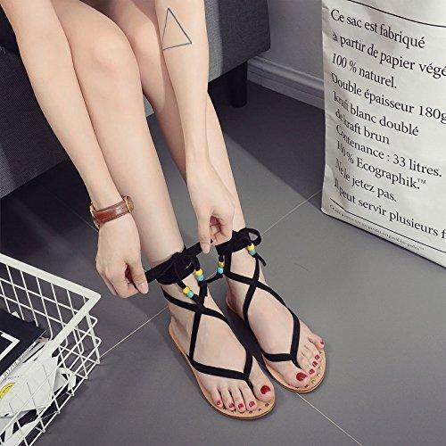 Sandali piatti estivi rivetti in metallo dei sandali della cinghia della traversa Black
