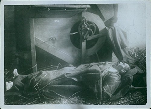 vintage-photo-of-killed-belgian-farmer-during-the-first-world-war-in-belgium