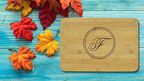Monogramm Schneidebrett für Mom Küche Deko Holz Tranchierbrett Personalisierte Geschenke für Mama Schneidebretter Mothers Day Gifts (Schneidebrett Holz Monogramm)