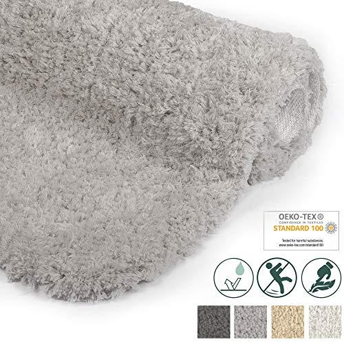 Beautissu Badematte rutschfest BeauMare FL Hochflor Teppich 120x70 cm Hell-Grau - WC Badteppich flauschige Bodenmatte oder Badvorleger für Dusche, Badewanne und Toilette - für Fußbodenheizung geeignet