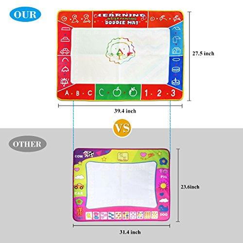 Alfombrilla de dibujo de agua tamaño grande de 100 x 70 cm multicolor sin ensuciar con 3 bolígrafos mágicos y 8 sellos; juguete educativo regalos de cumpleaños para niños y niñas a partir de 2 años