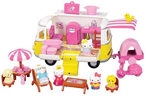 hello-kitty-la-caravana-de-la-familia-290363