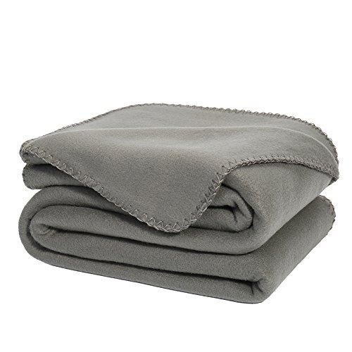 DOZZZ Super weiche Fleecedecke BROWN Ultra gemütliche Übergrösse Kuscheldecke leicht und dünn Decke Sofa / Couch / Reisedecke 127 x 178 CM (GRAU)