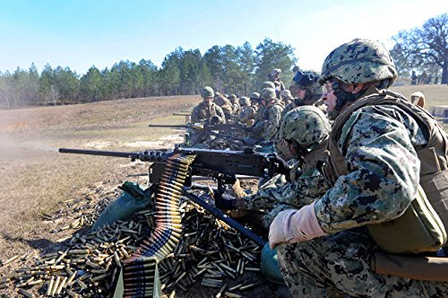 Stocktrek Images - Seabees fire The M2 50-Caliber Machine Gun Kunstdruck (43,18 x 27,94 cm) -