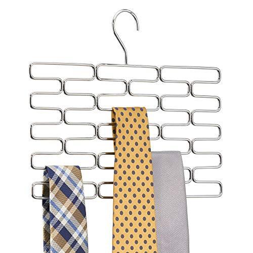 MetroDecor mDesign Portacravatte – Pregiato appendino Cravatte con almeno 23 Comodi Scomparti – Pratica gruccia appendi Cravatte per conservare in Modo ordinato Le Cravatte – Cromato