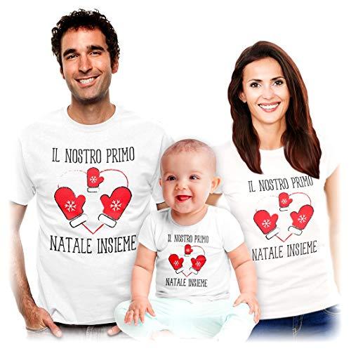 Shirtgeil Il Nostro Primo Natale Insieme - Idea Regalo per Famiglie Mamma papà Bambini Uomo Bianco L