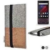 flat.design Handy Hülle Sintra für BlackBerry Key 2 LE Dual-SIM Handytasche Filz Tasche Schutz Kartenfach Case Kork