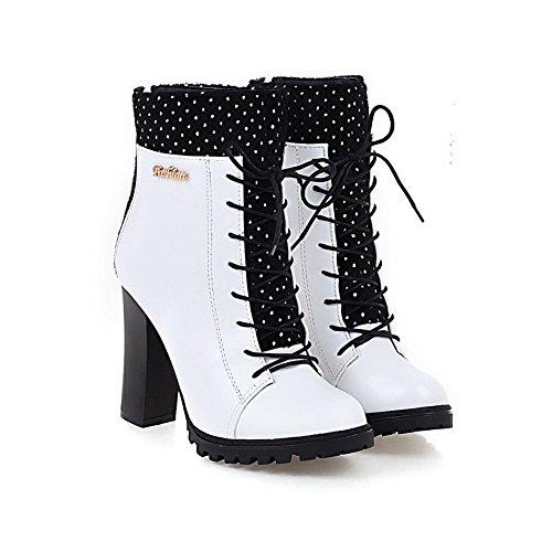 AllhqFashion Damen Hoher Absatz Eingelegt Rund Zehe Stiefel mit Metalldekoration Weiß