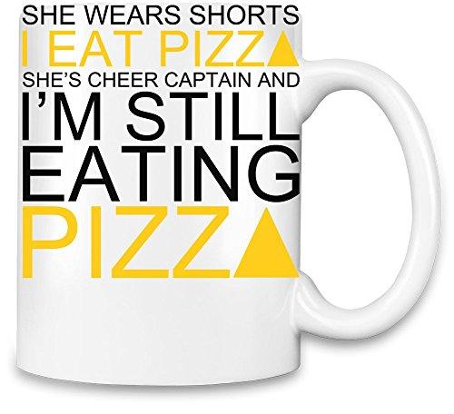She Wears Shorts I Eat Pizza She's Cheer Captain Slogan Kaffee Becher (Cheer Shorts Retro)