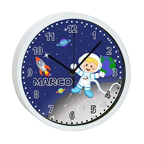 CreaDesign, WU-30-1031 Weltall, Kinder Wanduhr Kinderzimmer lautlos mit Name personalisiert, Rahmen weiß, Ø 19,5 cm