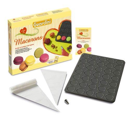 Scatola Regalo Kit Macarons Composto Da: Teglia Per Macarons, 30 Sacchetti Saccapoche, 1 Beccuccio Per Alimenti Antiaderente Ret