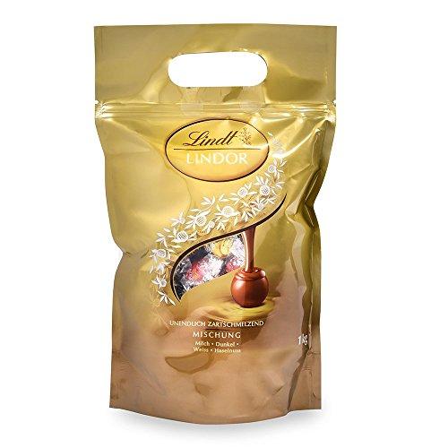 Lindt Lindor Kugeln Mischbeutel, gefüllt mit zartschmelzenden, einzeln verpackten Lindor Kugeln in den Sorten Milch, Dark 60%, Weiß und Haselnuss, 1er Pack (1 x 1kg)