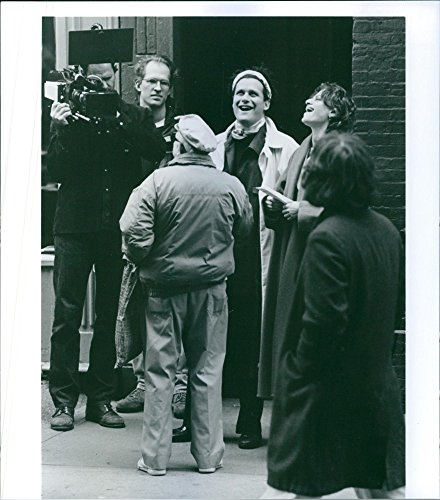 vintage-photo-of-isaac-mizrahi-and-sandra-bernhard-share-a-laugh-on-the-set-of-unzipped