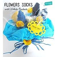 """Vaso di """"fiori"""" ( = tre paia di calzini)   PERSONALIZZAZIONI: Colori per Maschietti/Femminucce, aggiungi prodotti WELEDA Linea Calendula, Accessori Premium, Nome, Bebé, Biglietto d'Auguri"""