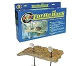 """Zoo Med Turtle Dock è un'isola galleggiante realizzata con materiali atossici. Da utilizzarsi con tritoni, granchi, rospi """"Bombina Orientalis"""", tartarughe d'acqua, rane acquatiche africane, perioftalmi ed altri anfibi. Rampa sommersa che perm..."""