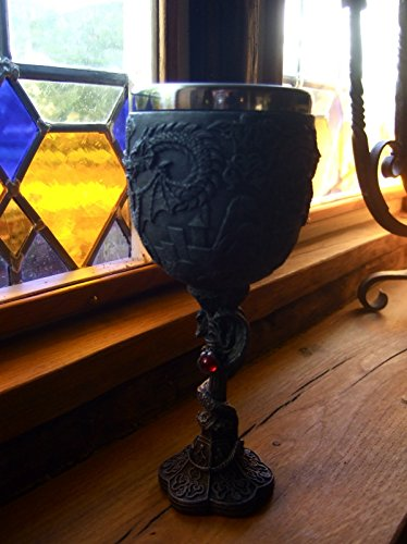 Weinbecher - mittelalterlicher Kelch mit Drachen