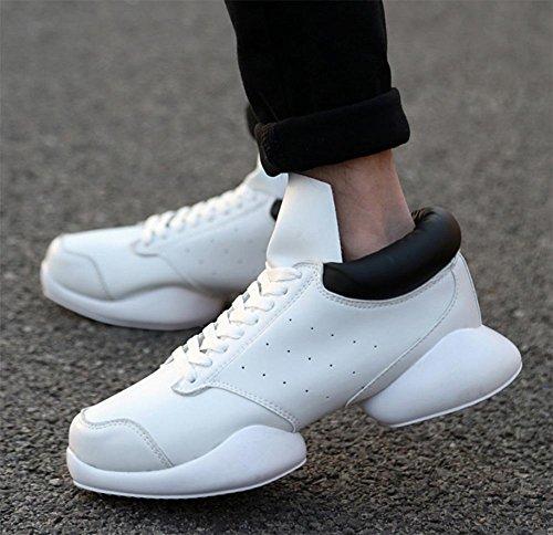 Hufeisen mit ein paar High-Top Sneaker Schuhe Herbst Schuhe Aufzug Schuhe Frau White