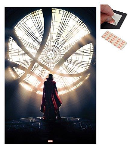 Confezione - 2 Articoli - Doctor Strange Goth Finestra Poster - 91.5 x 61cms (91.4x61cm) e un Set di 4 Cuscinetti Adesivi Riposizionabili Per Facile Fissaggio a Parete