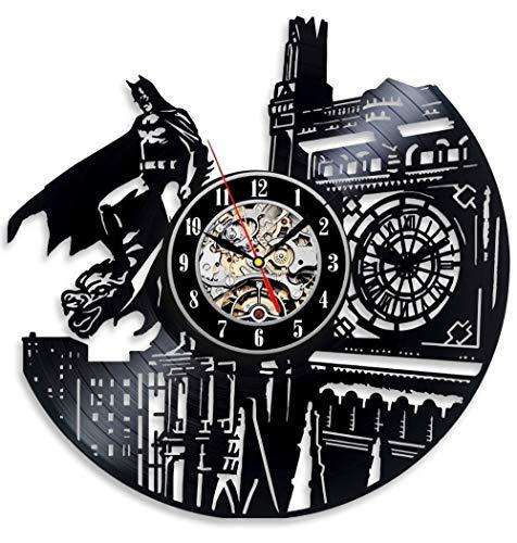 Mtye Vinyl Evolution Batman Dark Knight Wanduhr Dekorieren Sie Ihr Zuhause mit der modernen, großen Superhelden-Kunst-Wanduhr (Die Evolution Von Batman)