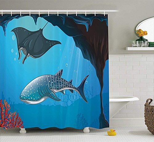 Nyngei Meerestier Dekor Duschvorhang Shark Deep Water Stingray mit Korallenriffen Algen Rocky Cave Exotic Cartoon Stoff Badezimmer Dekor Set mit Blau Grau