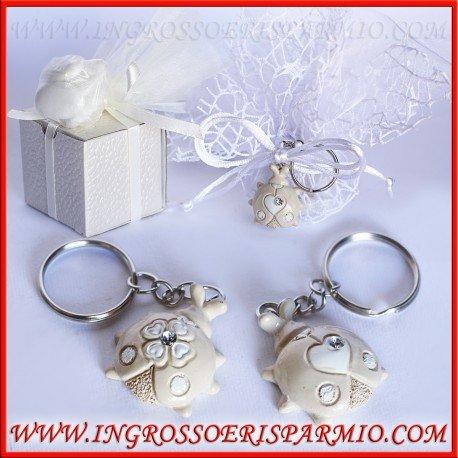 Ciondoli/portachiavi portafortuna in resina a forma di coccinelle con un cuore o un quadrifoglio sul dorso - bomboniera comunione, matrimonio, battesimo, cresima, compleanno (kit 12 pz)