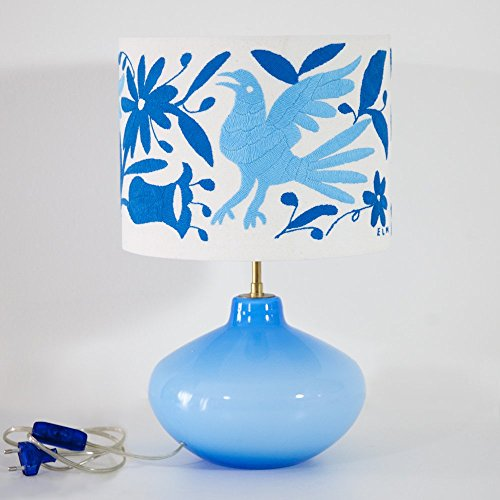lampe-a-poser-cielo-opaline-otomi-by-vibamos-broderie-a-la-main-artisanat-mexicain