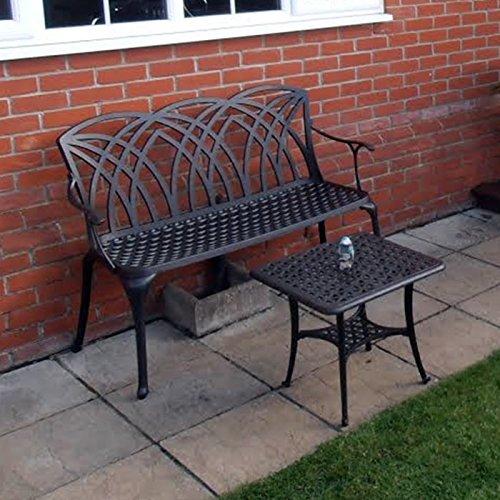 Lazy Susan – SANDRA Quadratischer Kaffeetisch mit 1 APRIL Gartenbank und 2 APRIL Stühlen – Gartenmöbel Set aus Metall, Antik Bronze - 3