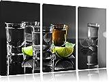 Tequila Shots mit Limetten schwarz/weiß auf 3-Teiler Leinwandbild 120x80 Bild auf Leinwand, XXL riesige Bilder fertig gerahmt mit Keilrahmen, Kunstdruck auf Wandbild mit Rahmen, gänstiger als Gemälde oder Ölbild, kein Poster oder Plakat