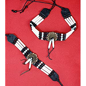 Hejoka-Shop Indianer Choker Set Halsband und Armband Weiss mit Mandallas 35/23/2,5 cm. Plus Bänder Bone Hairpipes echte Knochenröhrchen Knochengürtel Perlen