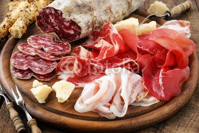 "Alu-Dibond-Bild 140 x 90 cm: ""Prosciutto ham, bresaola, pancetta, salami and parmesan"", Bild auf Alu-Dibond"