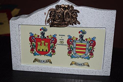 escudo-heraldico-sobre-granito-bodas-de-oro-o-plata