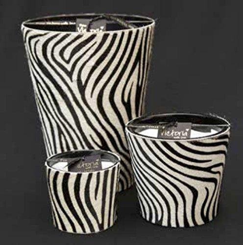 Große Kerze mit Fell im Zebramuster und drei Dochten 13 cm hoch und Ø 14 cm