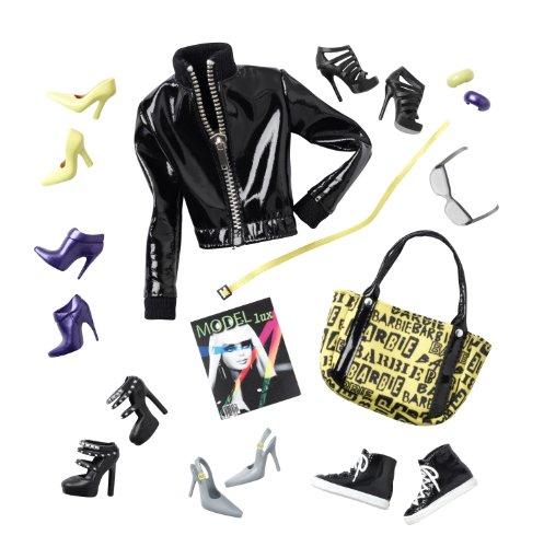 Barbie T7753 Basics Black Label Jeans Collection 02 Look 01