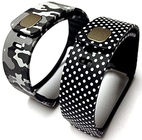 Set 1 Camouflage Army Camo Military and 1 Black with White Dots Spots Replacement Bands & Metal Clasps For Samsung Galaxy Gear Fit Bracelet Smart Wristband Wireless Activity Bracelet Sport Bracelet Sport Arm Band Armband