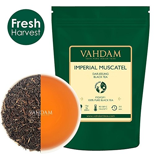 VAHDAM, Imperial Moscatello Darjeeling Tè (50 tazze) | Foglia sciolta del tè Darjeeling FULL-BODIED & AROMATIC | 100% PURE SECOND FLUSH Foglie di tè nero | Brew come tè caldo, tè freddo o latte 100gr