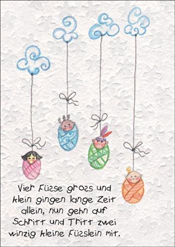 frohliche-baby-gluckwunschkarte-vier-fusse-gross-und-klein-gingen-lange-zeit-allein-nun-gehn-auf-sch